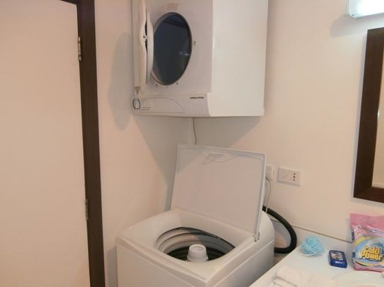 Quest Apartments-Suva : Washing Machine and a Dryer in my room
