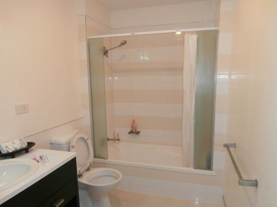 Quest Apartments-Suva : Bathroom serviced and clean every day