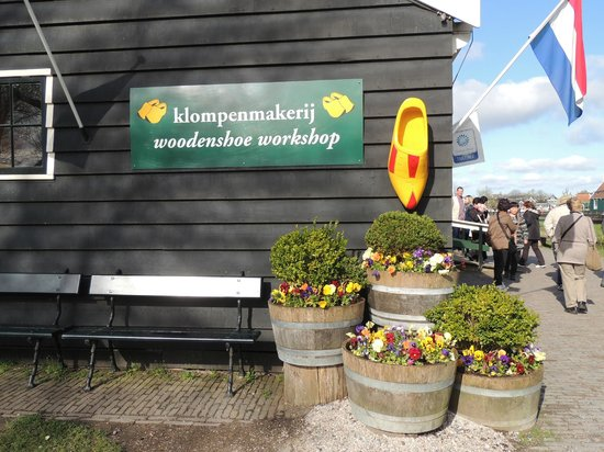 Zaanse Schans: Outside the workshop - great for picture taking