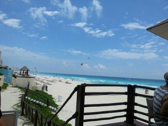 Beach picture of live aqua beach resort cancun cancun tripadvisor for How many rooms at live aqua cancun
