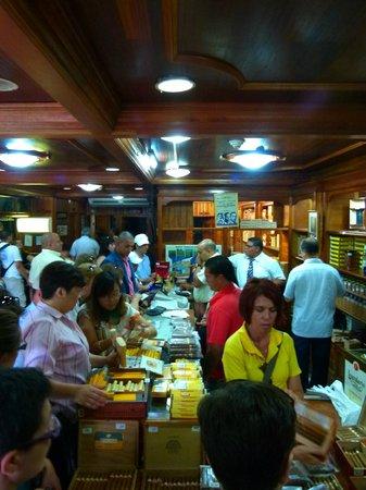 Vedado: Inside a Cigar store close by
