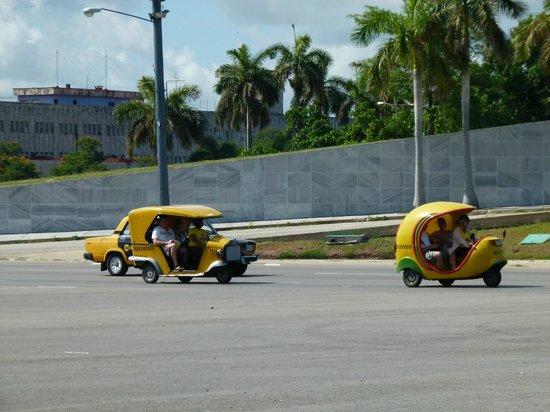 Vedado: the coco taxis