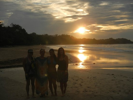 Bocas Island Lodge: Sunset on Red Frog Beach