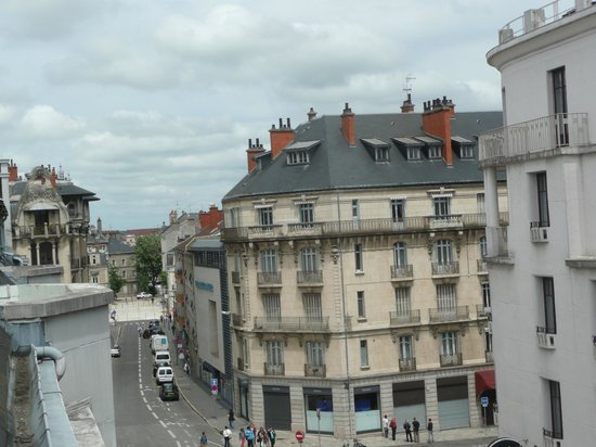 B&B Hôtel Dijon Centre: View from the balcony