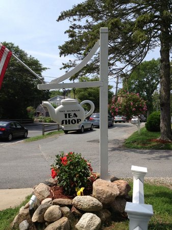 Dunbar Restaurant & Tea Room: Must spend a minimum of $6 per Person!