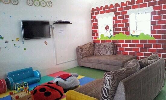 Little Play Loft Imaginative PlayGym: parent can have a rest