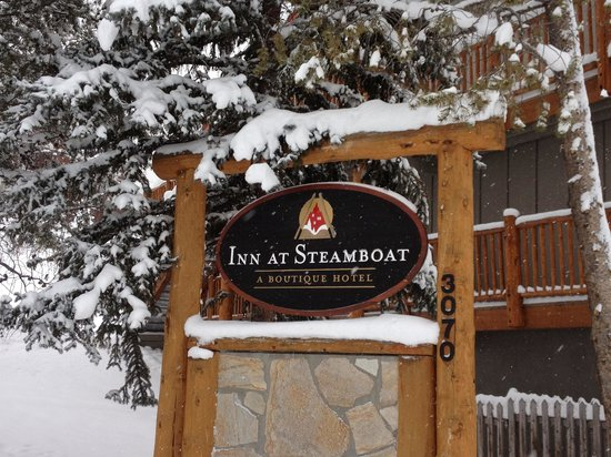 The Inn at Steamboat: Fresh Snow!