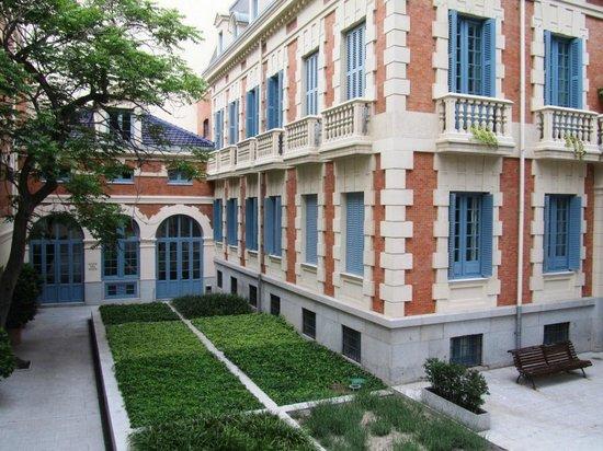AC Santo Mauro, An Autograph Collection : Hotel courtyard