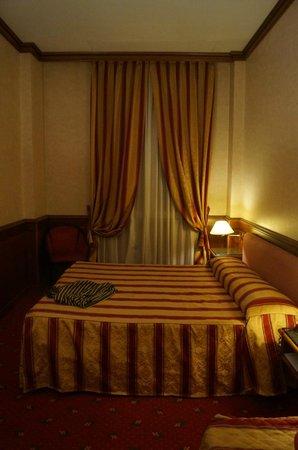 Best Western Hotel Moderno Verdi : amplia ! cosa que es un lujo en Europa