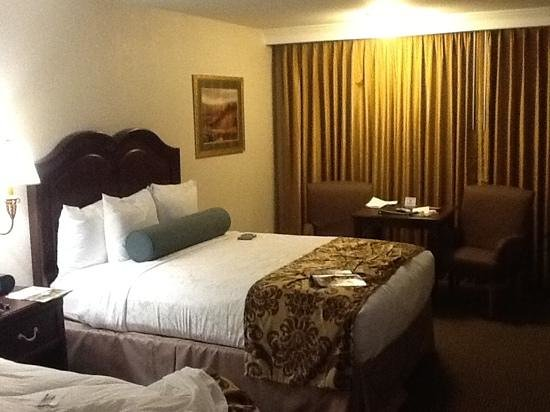 BEST WESTERN PLUS Inn at the Vines: Double room on the second floor