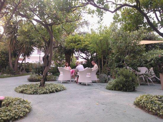 Casa Vacanze Parco del Generale: Relax in giardino