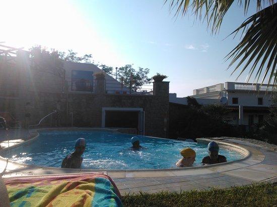 Casa Vacanze Parco del Generale: Fresco in piscina