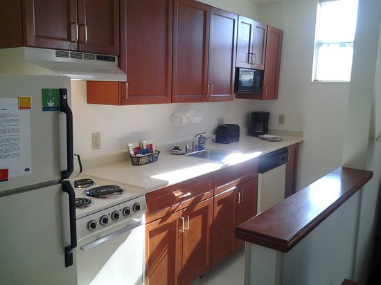 TownePlace Suites San Jose Cupertino: Kitchen