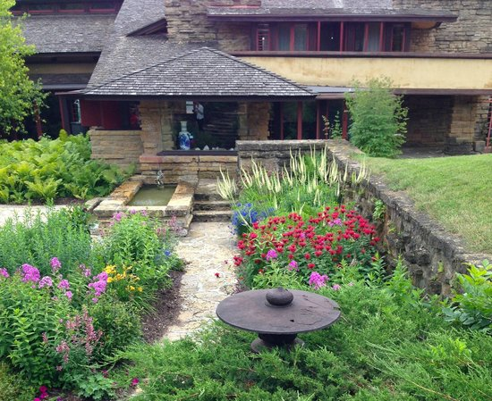 Taliesin Preservation: Stunning inside and outside of the home