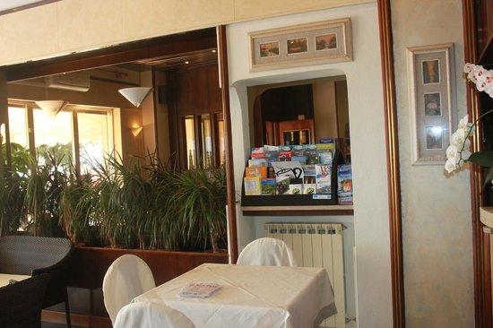 Albergo Piccolo Paradiso : Холл отеля