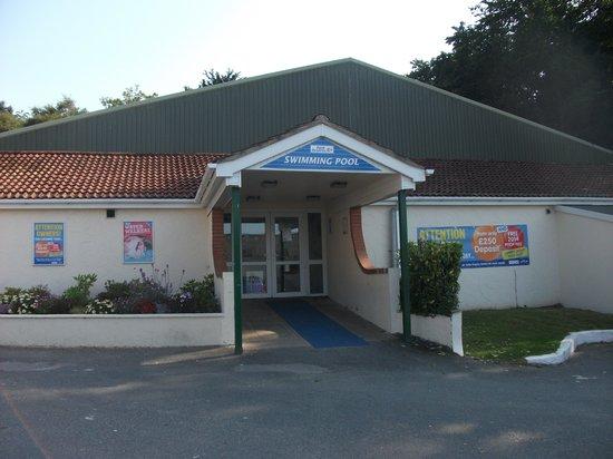 The Patio Bar Picture Of Parkdean Resorts Brynowen Holiday Park Aberystwyth Tripadvisor