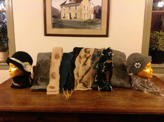 The Stagecoach Inn Bed and Breakfast: Our wet felted scarves and fashion hats at the wonderful Stafe