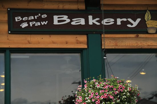Bear's Paw Bakery: The Bear's Paw, Jasper