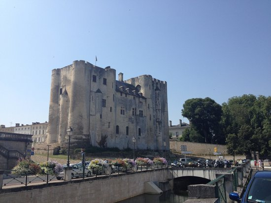 Le Donjon de Niort: getlstd_property_photo
