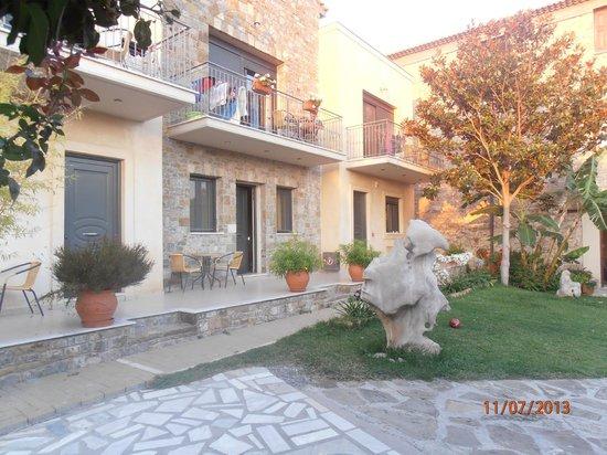 Mylos Apartments: Εξωτερικος χωρος....