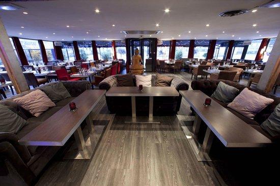 Restaurant tout le monde en parle paris montparnasse for Restaurant cuisine du monde paris