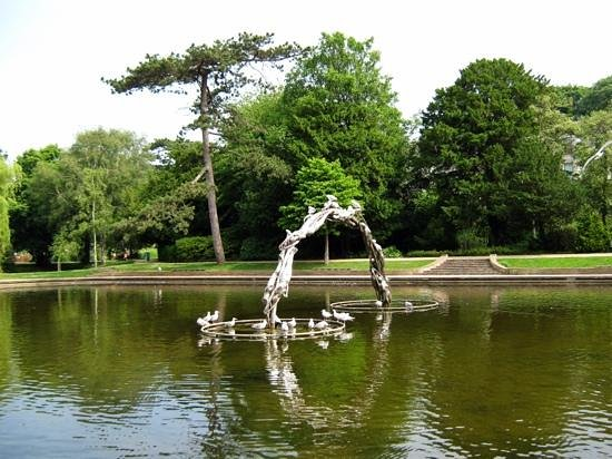Alexandra Park: Mermaids at play with the seagulls in the summer