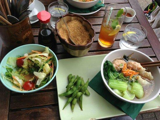 Momo Cafe: prawn dumplings