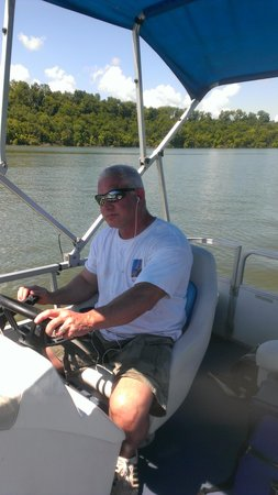 Taylorsville Lake State Park: Captain Bart
