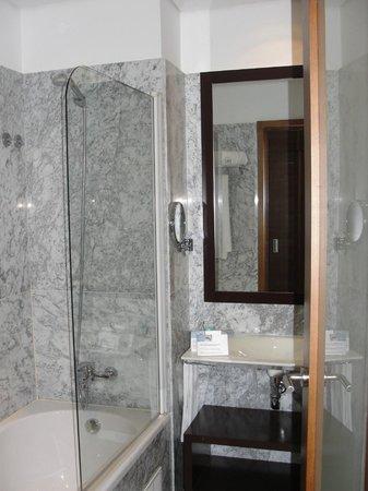 Eurostars Das Artes Hotel: Bathroom