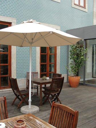 Eurostars Das Artes Hotel: Pleasant deck