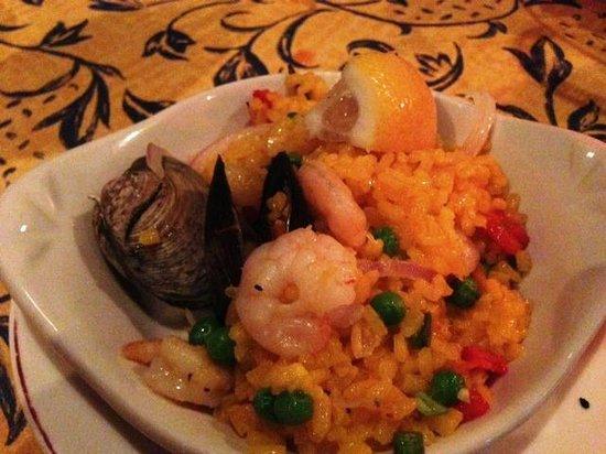Isabella's Taverna & Tapas Bar: paella - delicious