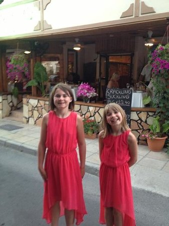 Michael's Tavern: the girls at there favourite Paphos restaurant