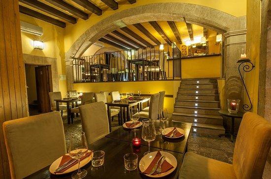Cafe Murada Ristorante & Pizzeria: Interior