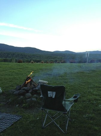 Au Diable Vert: campfire