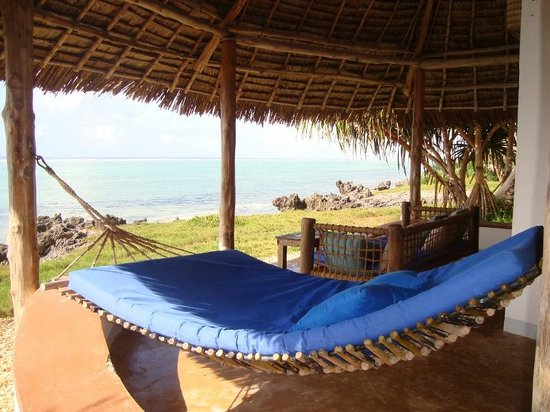 Matemwe Lodge, Asilia Africa: relaxing double hammock on our verandah