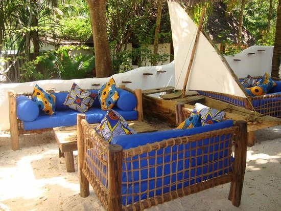 Matemwe Lodge, Asilia Africa : Lovely bar decor