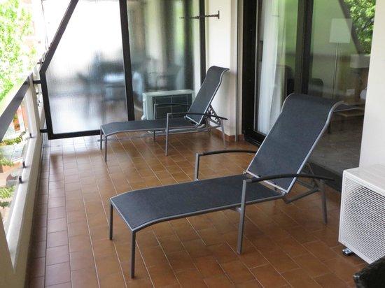 Ramada Hotel Arcadia : Balcony