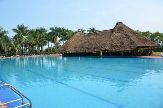 Munyonyo Commonwealth Resort: Swimming Pool