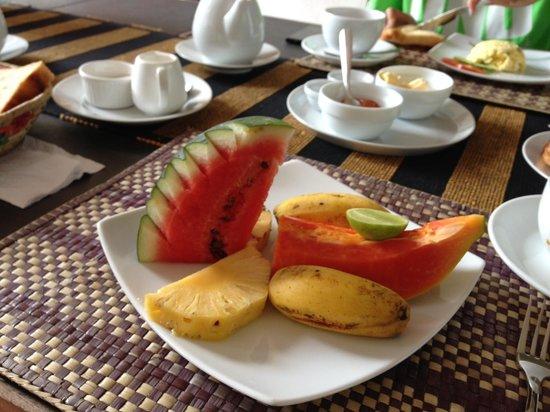 Unawatuna Nor Lanka Hotel: The fruit plate