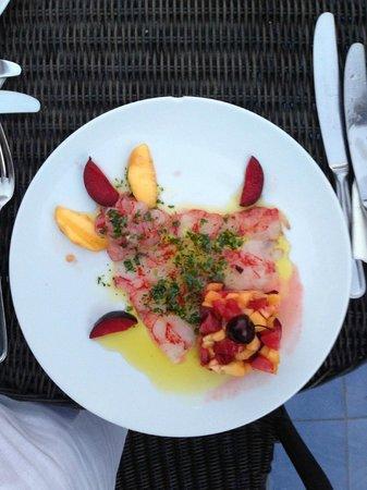 Hotel Palladio: variazione di gamberi con macedonia di frutta