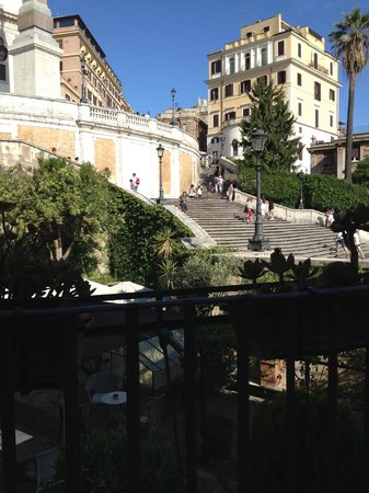 Internazionale Domus: sitting on the balcony overlooking the Spanish steps