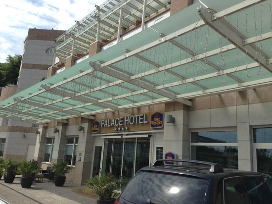 BEST WESTERN Palace Hotel : Ingresso dell'hotel