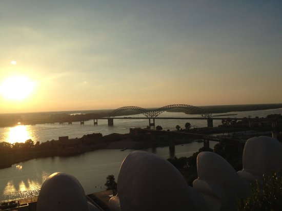 Eighty3 : From rooftop lounge at sunset over the Mississippi.