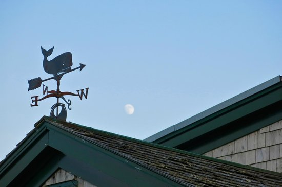 Inn at Whale Cove Cottages: Weathervane and moon over Inn at Whale Cove