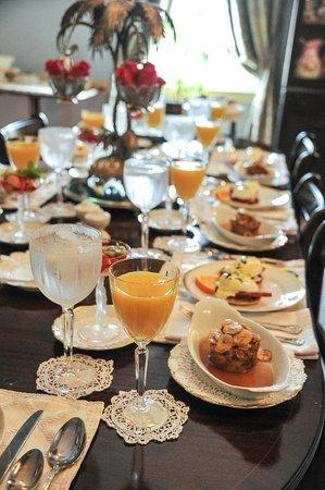 Historic Oak Hill Inn : Great breakfast!