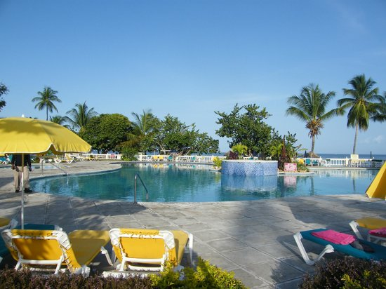 Turtle Beach by Rex Resorts: Pool at Turtle Beach