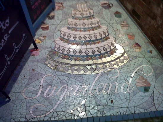 Sugarland: Lovely mosaic in the entryway