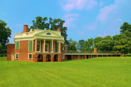 Thomas Jefferson's Poplar Forest: The back side of the home. Beautiful!