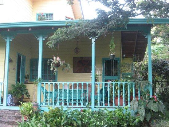 Casa de las Tias: Front porch