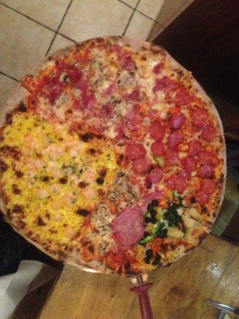 Pizzeria Jolly: huge pizza